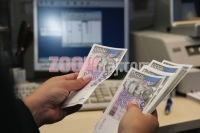 25092007_banco_popolare_banka_novac_kuna_novcanice_zg_foto_sasa_cetkovic