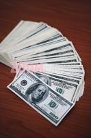 17112005_novac_novcanice_americki_dolar_zg_foto_hrvoje_knez
